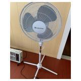 Comfort Zone Adjustable Fan