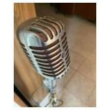 Unidyne Microphone and Stand