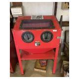 40lb Central Pneumatic Blast Cabinet
