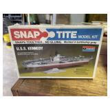 Monogram Snap Tite Model Kit