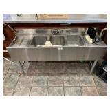 Stainless Steel Sink w/Backsplash