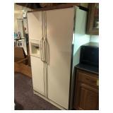 Amana Side-By-Side Refrig/Freezer