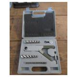 28 Piece Pittsburgh Ratcheting Squeeze Wrench Kit