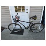 Trek 930 Mountain Bike