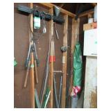 Loose Contents of Wall: Pruners, (2) Vintage Dust