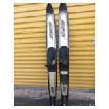SkiMaster water skis