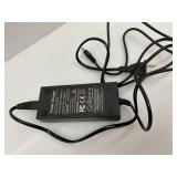 Mouow Battery Charger