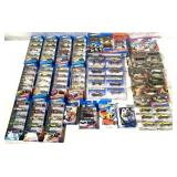 lot of 20+ Hot Wheels gift packs & others