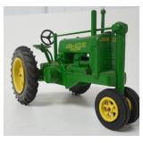 John Deere Unstyled  A Tractor 1/16