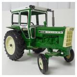 Oliver 1655 diesel tractor 1/16