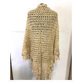 Beautiful vintage crocheted shawl – tannish