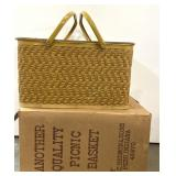 """""""Another quality picnic basket"""" with original box"""