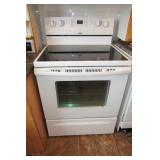 Whirlpool  Accubake Electric Range, glass top