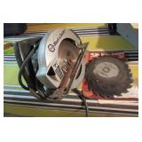 Black and Decker circular saw with blades