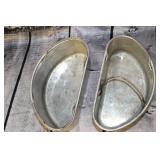 2 aluminum pans