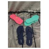 3 pairs of brand new old navy flip flops size 8