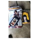 Halloween costume and wig size M/L