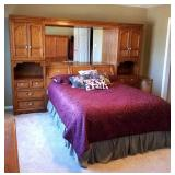 THOMASVILLE QUEEN SIZE BED WITH BEDDING INCLUDED