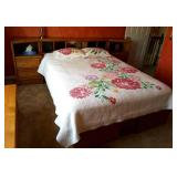 QUEEN WOOD BED FRAME WITH 4 DRAWERS UNDERNEATH
