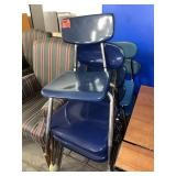 lot of 7 chairs