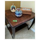 "Oak Side Table, Decorative Items 24x24x24"""