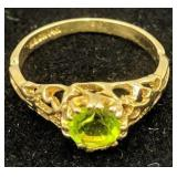 14k Gold Green Gemstone Filigree Ring 0.7 Dwt