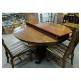 Round Cherrytable, 4 Oak Chairs, One Leaf