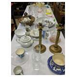 Table Lot Of Glassware, Bowls, Pyrex Etc