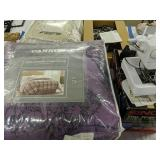 Singer Tiny Serger Sewing Machine, Full Queen