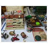 Tackle Box Fishing Reels Etc. Cardinal 552,