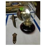 Amethyst Bracket Oil Lamp With Reflector