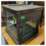 "Countertop Oak Display/pie Case 22.5x23.5x23.5"""