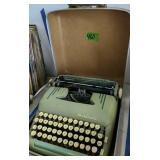 Art Deco Grn Smith Corona Silent Super Typewriter