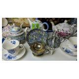 Teapots, Cups & Saucers. Crown Victoria, Arthur