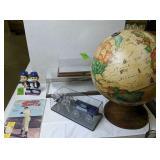 Light Up Globe, Display Cases, Mab Paints Tasty