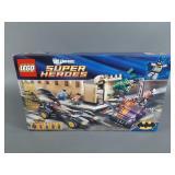 Lego DC 6864 Batmobile & Two-Face Chase NIB
