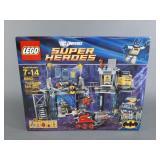 Lego DC Universe Batcave Set SEALED 6860