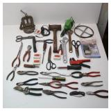 """1/2""""-1.5"""" Pipe Vise, Wrenches, Mallet, Cutters,"""