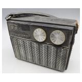 Vintage RCA Victor 8 Transistor Radio