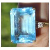 10K Emerald-Cut Aquamarine and Diamonds Ring