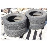 Set of P195/60R15 Studded Tires