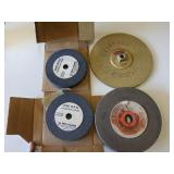 Box of: 4 Sanding Wheels