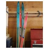 (2) Sets of Skis-Trysil-knut & Bonna