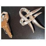 Vintage 850 silver ribbon brooch