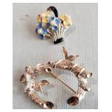 2 gold tone brooches flower basket, Sarah Coventry