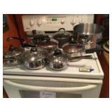 Saucepans of various sizes-RevereWare, Oneida, Wearever