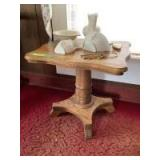 Small oak side table measures 23 x 20 x 22, decorative skeleton keys, two compacts, wall pockets and USA pitcher and basin