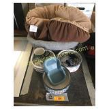 Dog bed/bowls