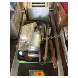 Toaster, kitchen utensils