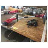 Craftsman battery trimmer w/charger